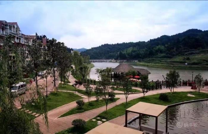 云岭翠湖实景图